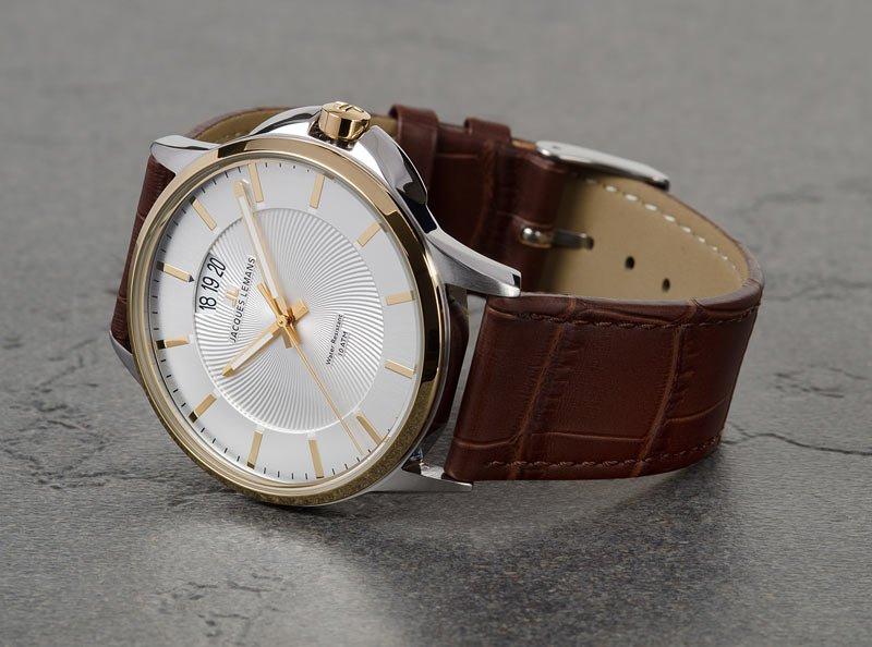 Jacques lemans - одна из крупнейших компаний по производству наручных часов в мире.